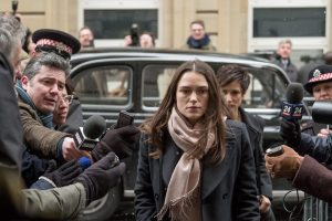 keira knightley, ralph fiennes ve matt smith'li official secrets'tan iki yeni sahne