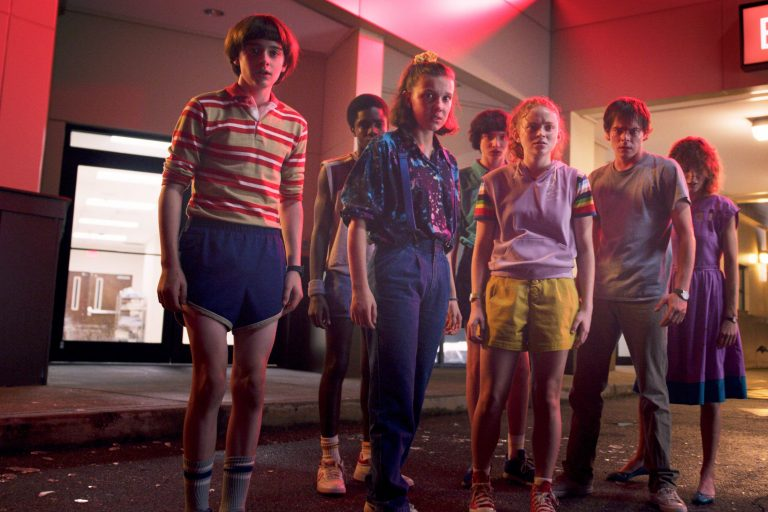stranger things'in son sezonunun soundtrack'i plak formatında