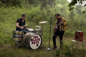 yeni the black keys albümü let's rock burada