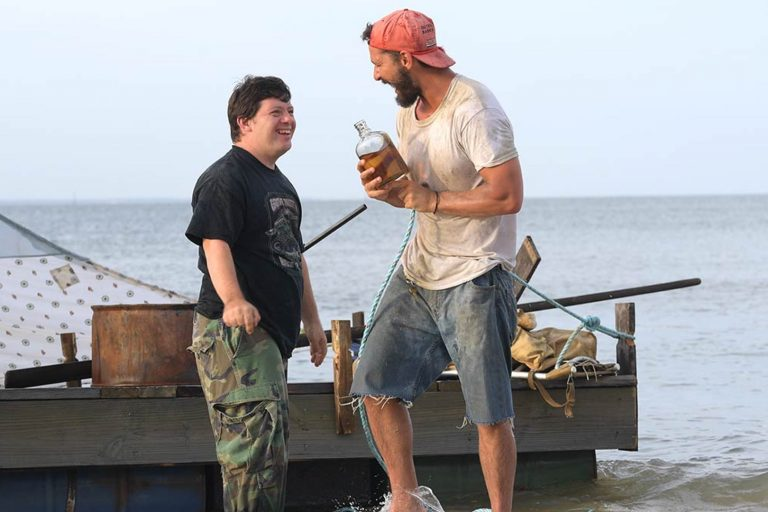 shia labeouf ve dakota johnson'lı the peanut butter falcon'dan fragman