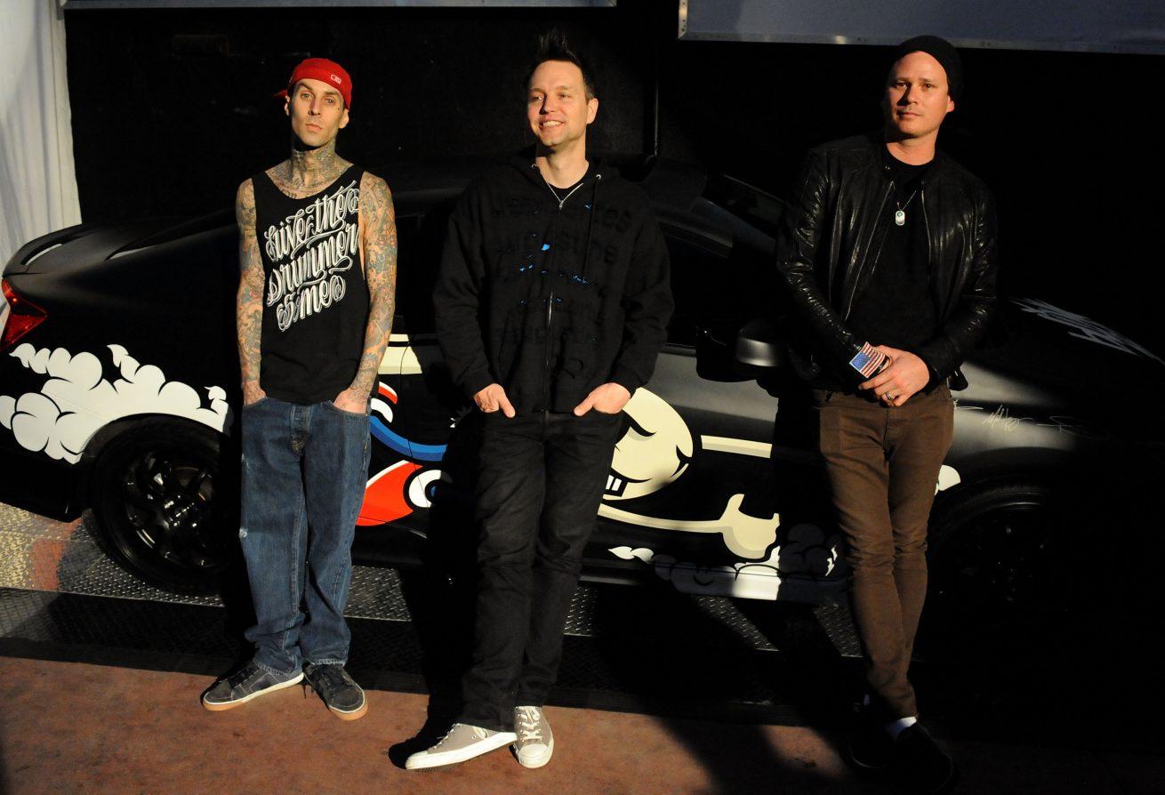 blink-182'dan yeni albüm öncesi bir tekli daha: darkside