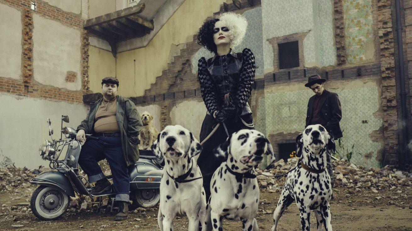 emma stone'lu cruella filminden yeni tanıtım fragmanı