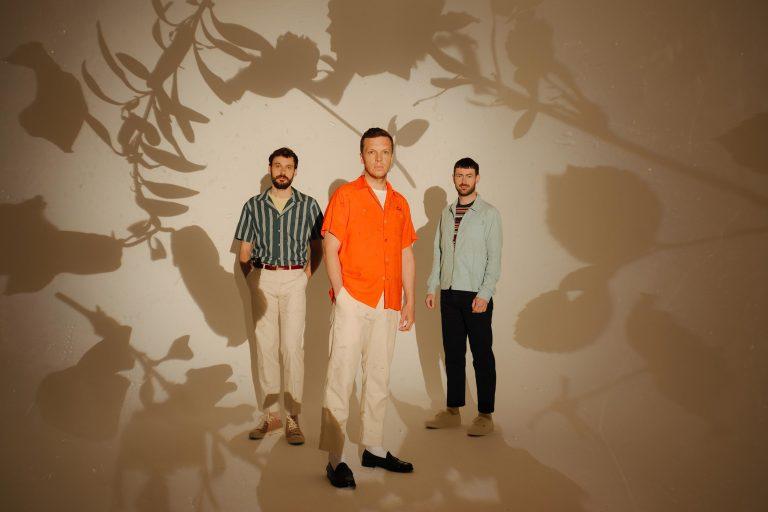 friendly fires'ın yeni albümü inflorescent spotify'da