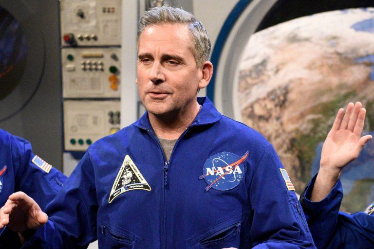 john malkovich, steve carell'in uzay birliğine katıldı
