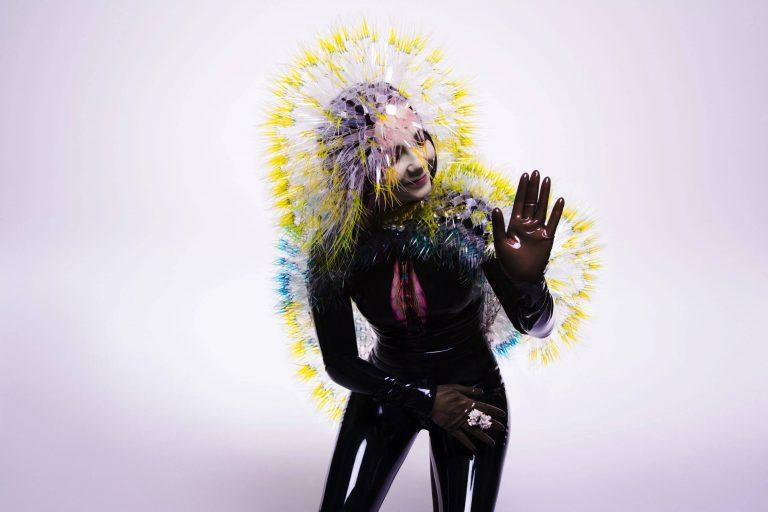 björk'ün vulnicura albümü sanal gerçeklik formatında yeniden yayınlanıyor