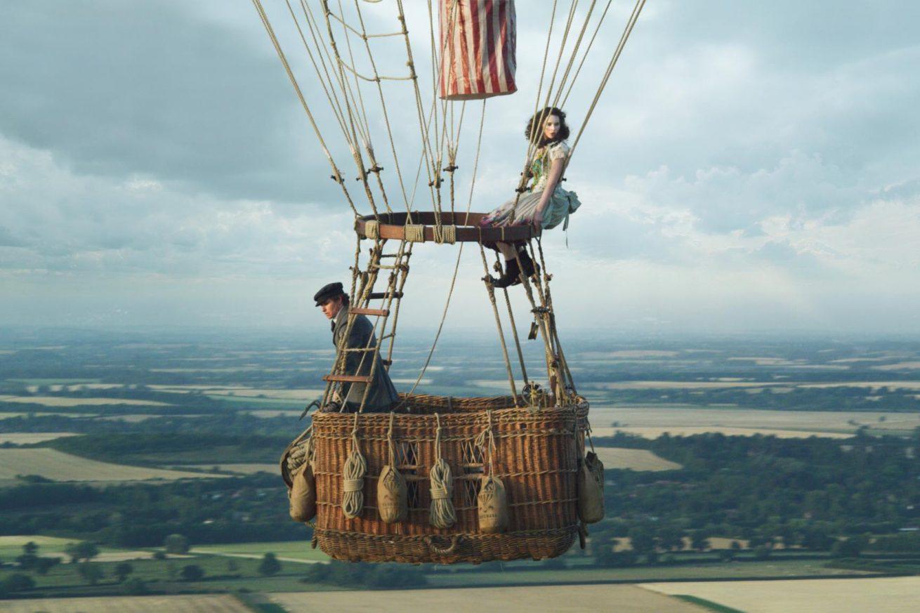 eddie redmayne ve felicity jones'u tekrar buluşturan the aeronauts'tan yeni fragman