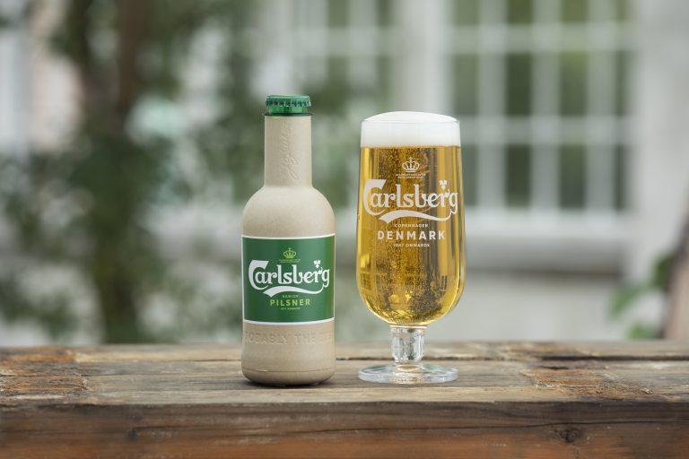 carlsberg'ten çevre dostu kağıt bira şişeleri