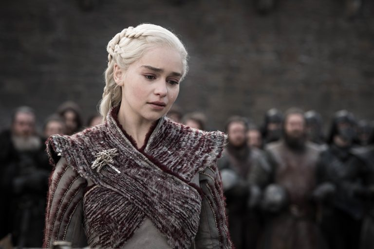 "emilia clarke, game of thrones finalini savundu: ""herkesi mutlu edemeyiz"""