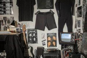 metallica ve billabong, sörf kıyafetleri koleksiyonu hazırlamak için anlaştı