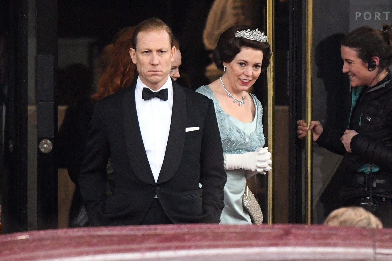 ödüllü dizi the crown'dan 3. sezon fragmanı
