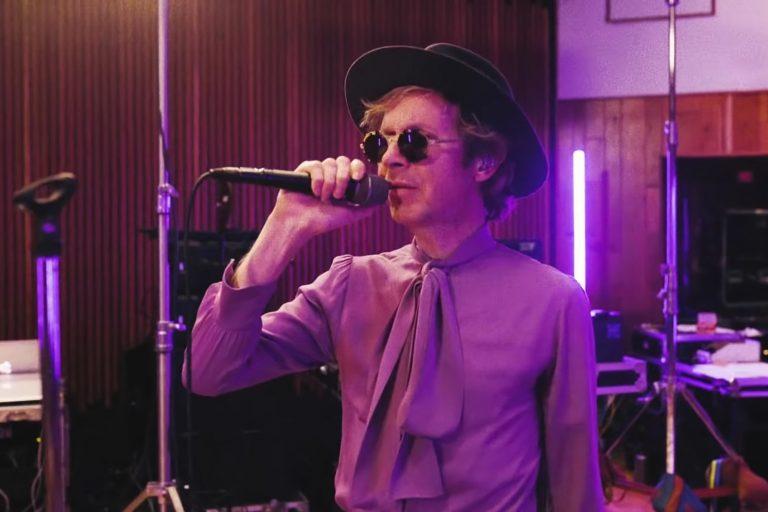 beck, hyperspace albümünü nasa desteğiyle görsel dünyaya taşıdı