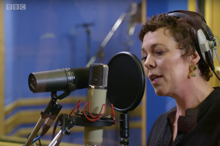 olivia colman'dan phoebe waller-bridge desteğiyle portishead glory box cover'ı