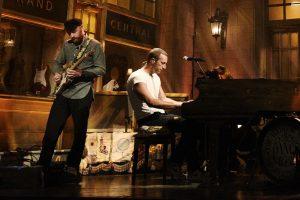 coldplay sunar: everyday life'tan ilk canlı performans