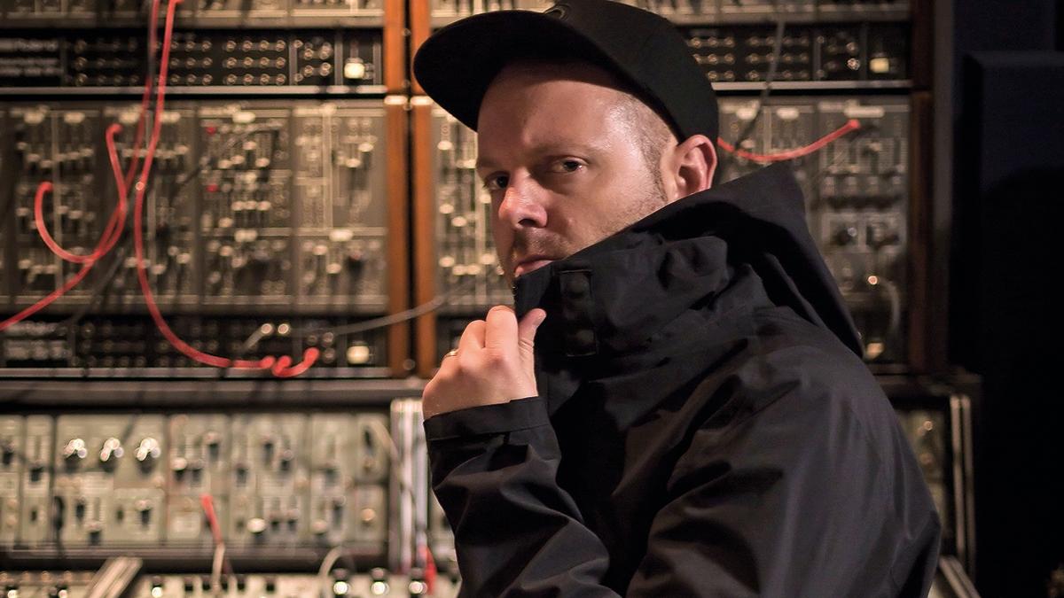 dj shadow'un yeni müzik videosu yayında