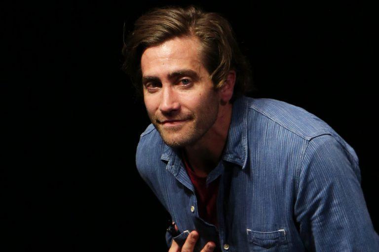 jake gyllenhaal'ın gilded rage'i taş gibi kadrosuyla geliyor