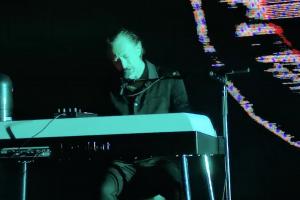 yeni thom yorke şarkısı plasticine figures yayında