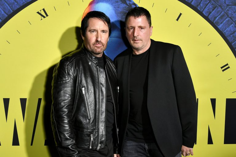 trent reznor ve atticus ross imzalı watchmen soundtrack part 2 yayında