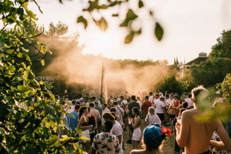 dekmantel selectors'ın 2020 line-up'ı alev alev