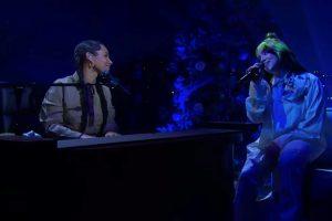 """billie eilish """"müzikal idolüm"""" dediği alicia keys ile piyano başında buluştu"""
