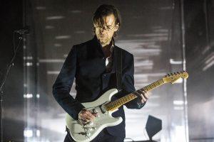 radiohead gitaristi ed o'brien, ilk solo albümünü yeni tekli ile duyurdu
