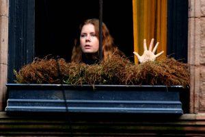 amy adams'lı the woman in the window ile anksiyetemiz tavan yapacak