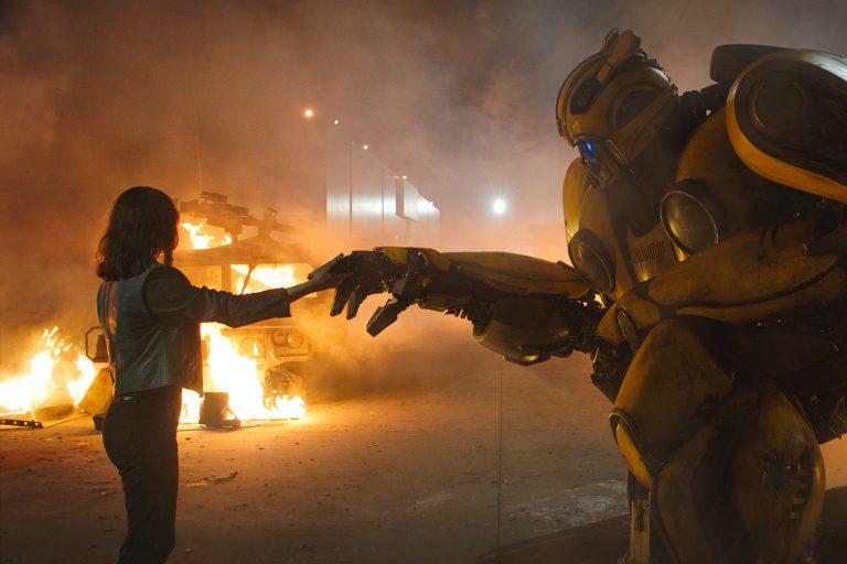 transformers evreni iki yeni filmle canlanıyor