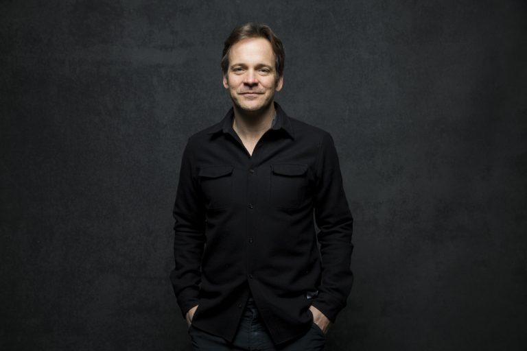 peter sarsgaard yeni batman filmini pixies konserine benzetti