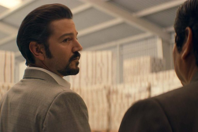 narcos: mexico'nun ikinci sezonundan bir yeni fragmanınız var
