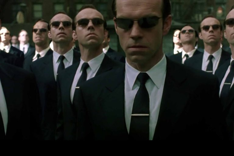 hugo weaving aka agent smith, the matrix 4'da yer almayacak