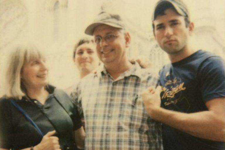 sufjan stevens'ın babası lowell brams'la birlikte kaydettiği albümünden bir yeni tekli daha