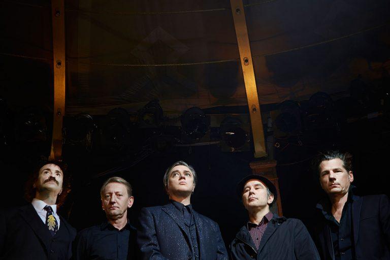 einstürzende neubauten 12 yıl sonra yeni albüm yayınlamaya hazırlanıyor