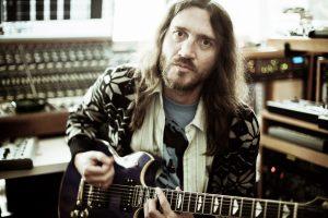 john frusciante yan projesi trickfinger'dan iki yeni şarkı paylaştı