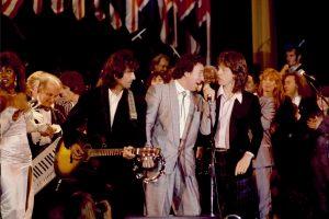 rock & roll hall of fame de arşivini youtube'a aktaran isimlere katıldı