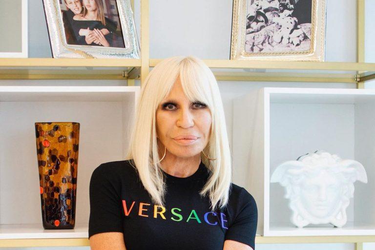versace'den pride ayına özel koleksiyon