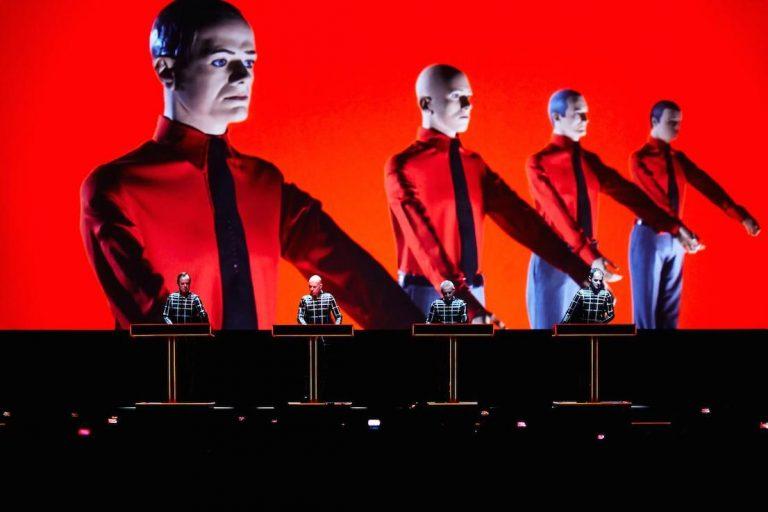 kraftwerk'ün almanca albümleri ilk defa spotify'a geliyor