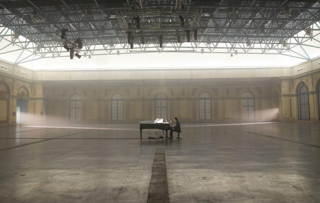 nick cave'in özel konser filminden fragmanımsı bir video
