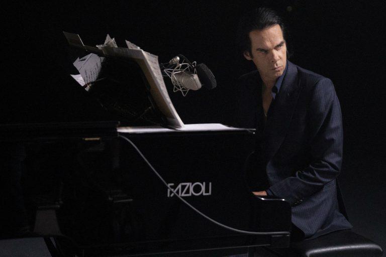 nick cave ve piyanosu ile baş başa konser keyfi