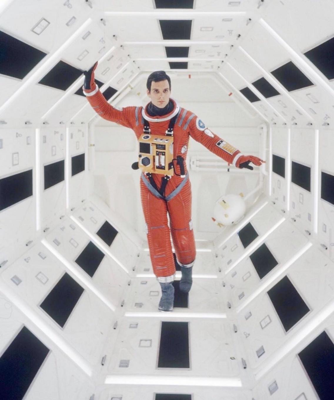 2001: a space odyssey'deki astronot kıyafeti rekor fiyata satıldı