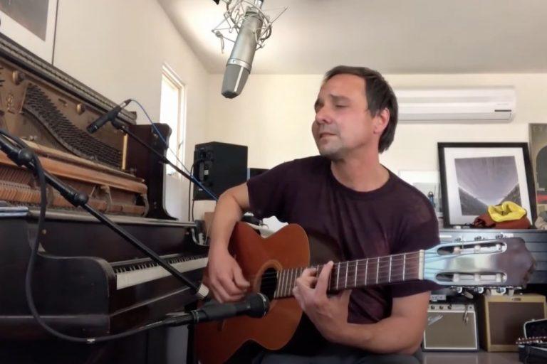 robin pecknold ve daniel rossen iki yeni solo şarkı seslendirdi