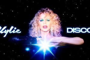 kylie minogue, disco albümünün ilk teklisi say something'in videosunu yayınladı