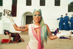 lady gaga'dan kısa film tadında yeni video