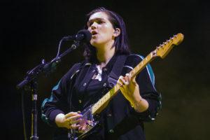 the xx'ten romy madley croft, ilk solo şarkısını yayınladı