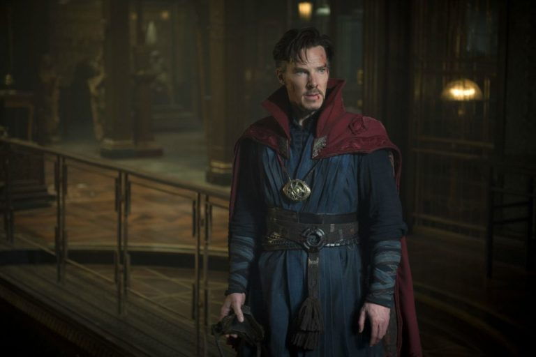"""benedict cumberbatch, naziler ve sihirbazlar temalı """"war magician""""ın başrolü oldu"""
