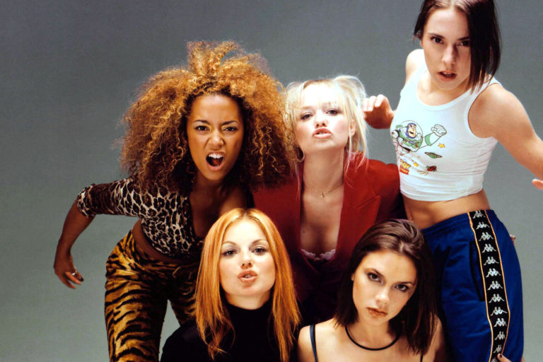 ginger spice'ın wannabe videosundaki kıyafeti açık artırma ile satılıyor