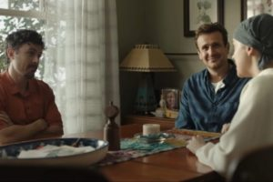 jason segel, dakota johnson ve casey affleck'li our friend filminden fragman