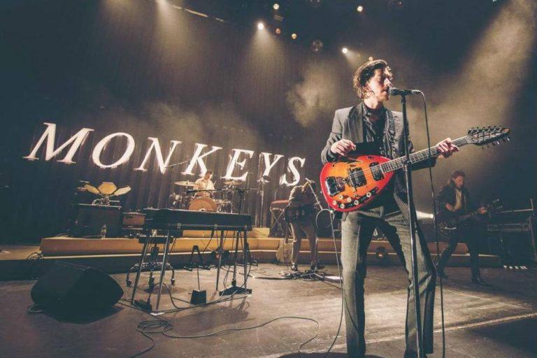 arctic monkeys'in konser albümü live at the royal albert hall yayında