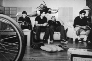 white pony'nin 20. yılına özel remix albümü black stallion yayında