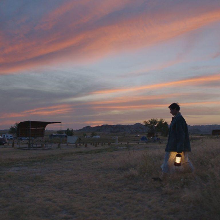 yılın en iyi filmlerinden biri olan nomadland'in yeni fragmanı yayında
