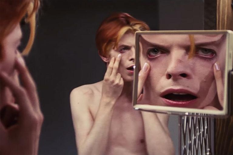 david bowie'nin the man who fell to earth filminin dizi uyarlaması başrolüne kavuştu
