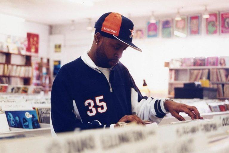 """j dilla'nın """"welcome 2 detroit"""" albümü, özel basım bir plakla 20. yaşını kutluyor"""
